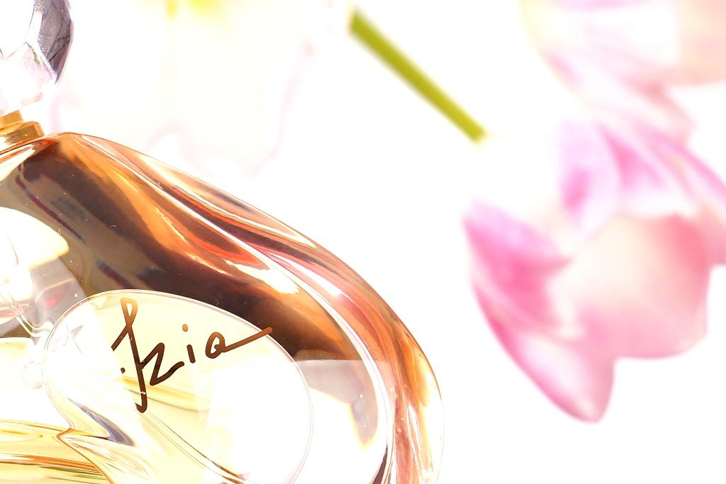 """<span style=""""font-size: large;"""">#lovemyizia</span> <br>Sisley Izia EdP"""