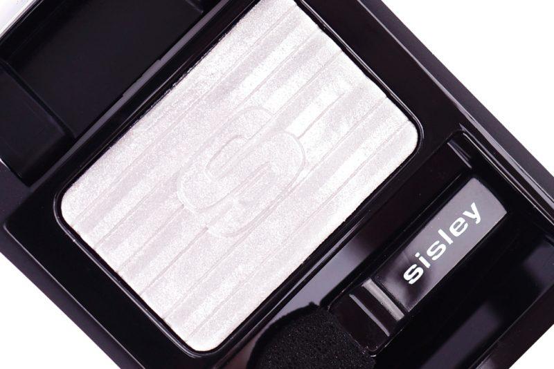 <span style='font-size: large;'>Zarte Texturen und metallischer Glanz</span><br />Die Sisley Phyto-Ombre Glow