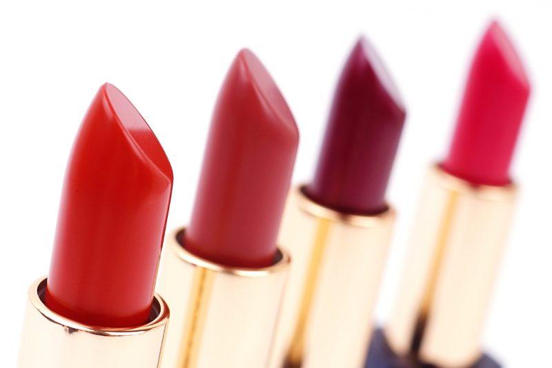 <span style='font-size: large;'>Estée Lauder Pure Color Envy Velvet Matte und Metallic Matte Lipsticks </span><br />Persuasive, Raw Edge, Passion Patina und Crush It