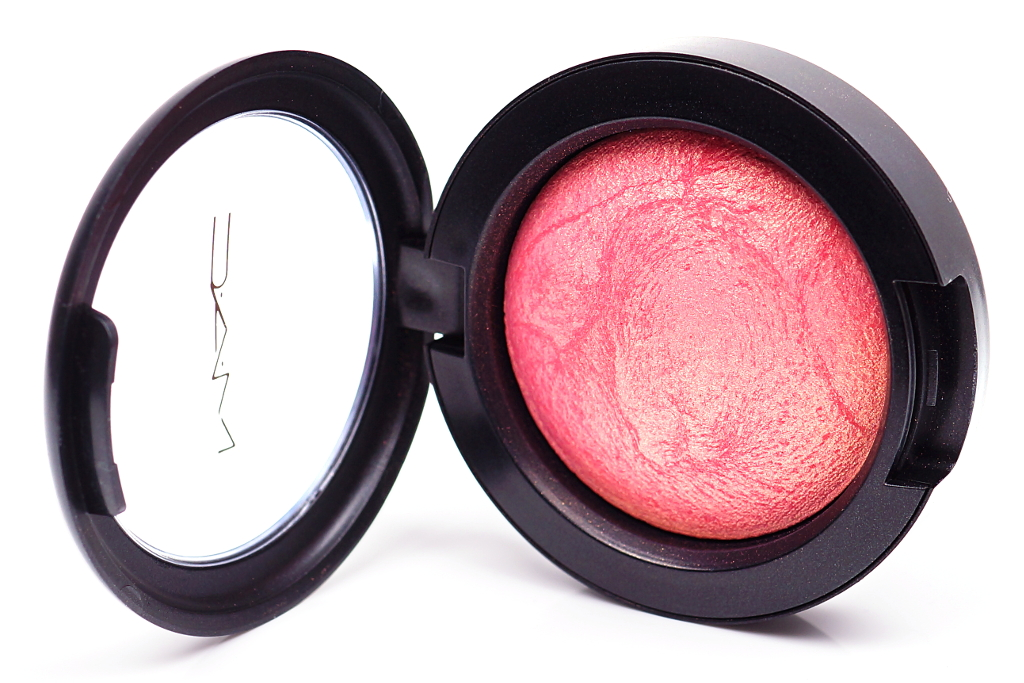 <span style='font-size: large;'>MAC</span><br />Mineralize Blush Petal Power