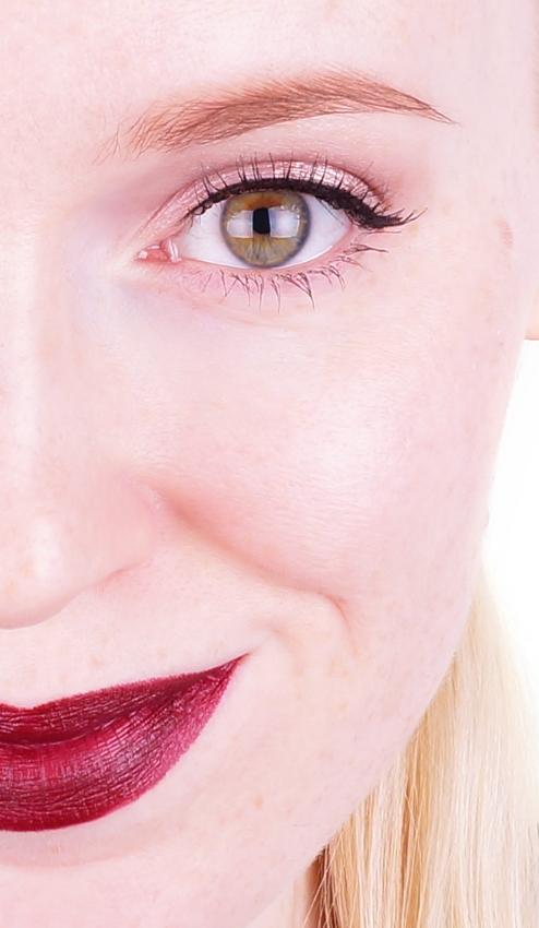 MAC Lipstick Beatrix