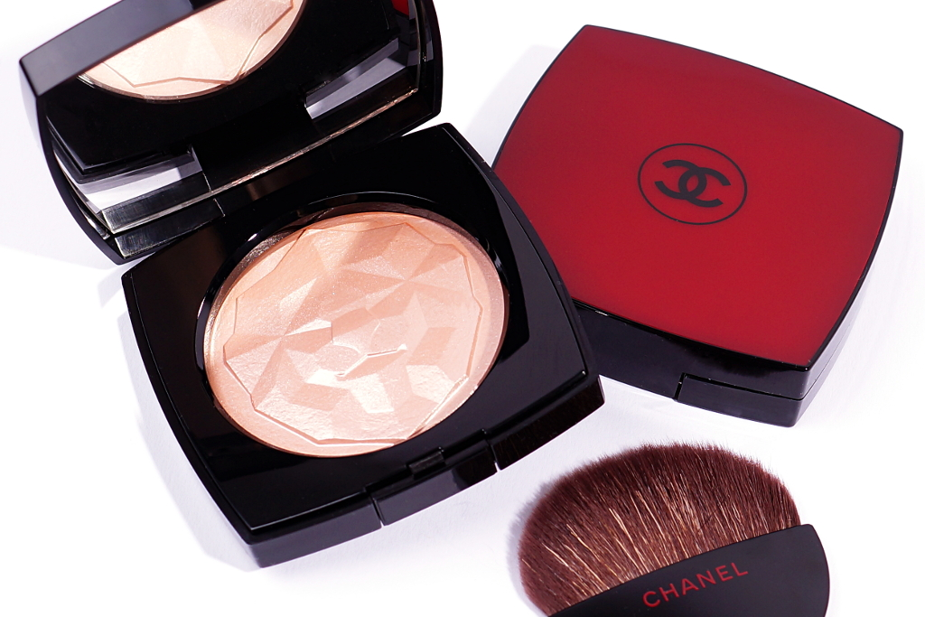 4a683dbad4 Chanel Le Signe Du Lion Highlighter in Or Blanc und Or Rose