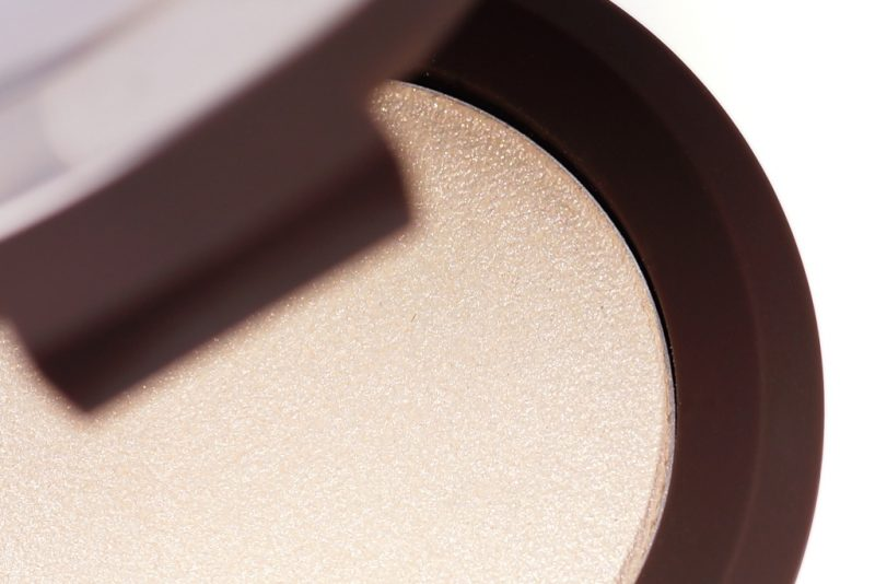 <span style='font-size: large;'>Becca Shimmering Skin Perfector </span><br />Vanilla Quartz Mini