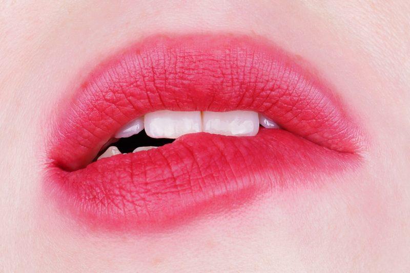 Bitten / Blurred Lips (YSL Kiss & Blush 11)