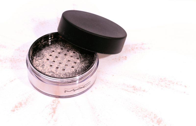 MAC Iridescent Powder / Loose Silver Dust