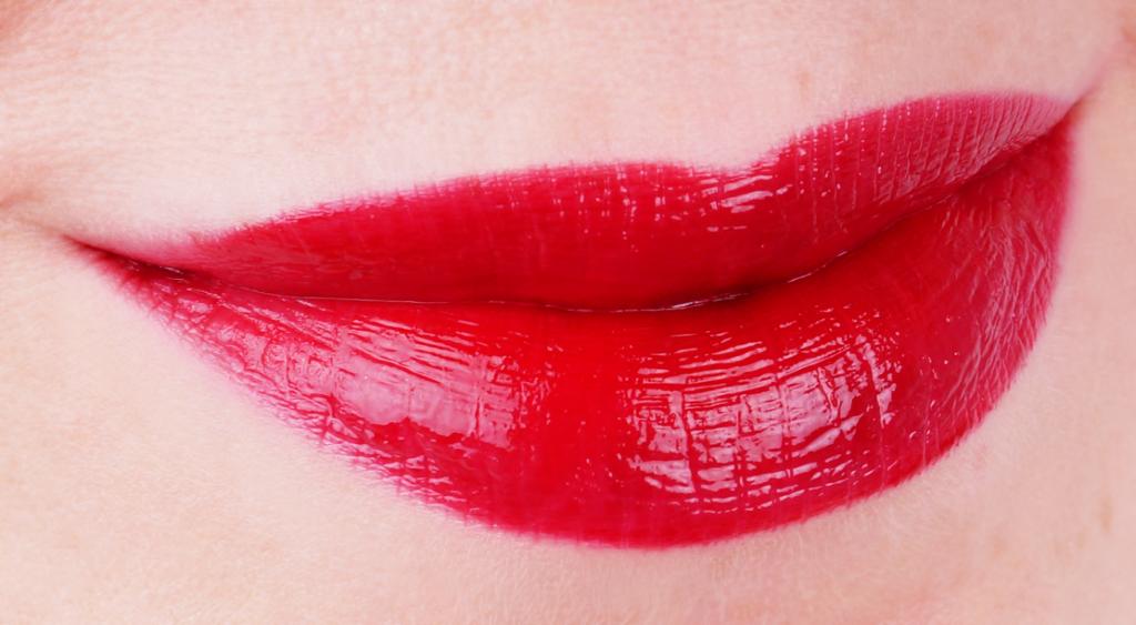 MAC Versicolour Varnish Cream Lip Stain Serial Stain