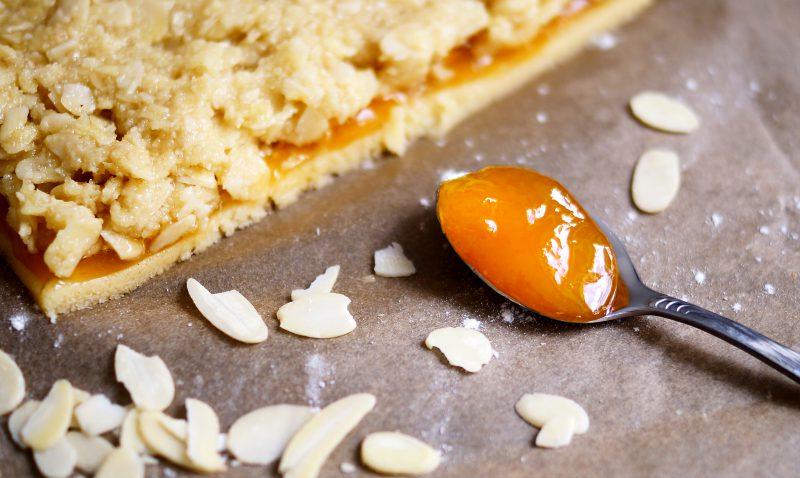 Leckere Nussecken mit Mandeln