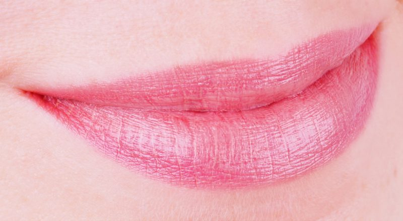 Dramatically Different™ Lipstick Shaping Lip Colour Barely