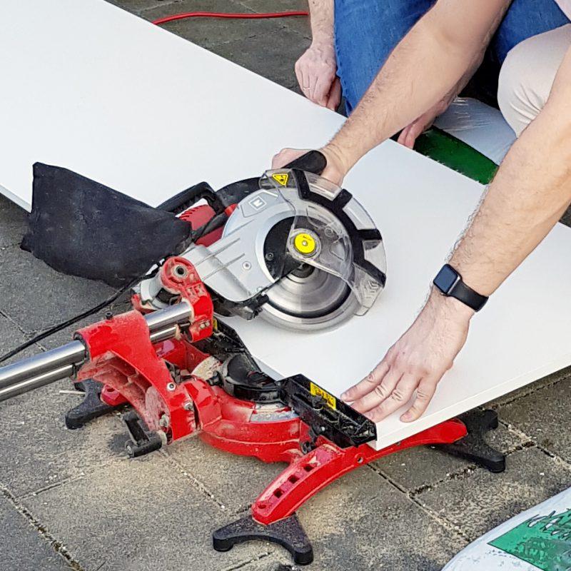 Schrank an Dachschräge anpassen