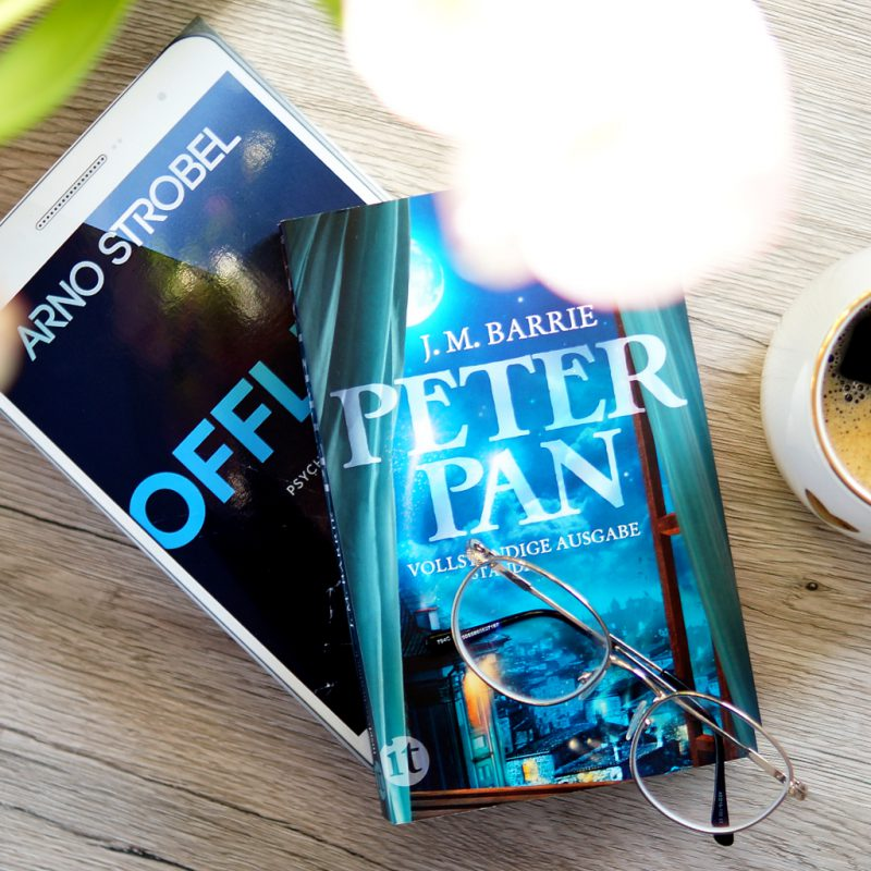 <span style='font-size: large;'>Gelesen im März </span><br />Offline & Peter Pan