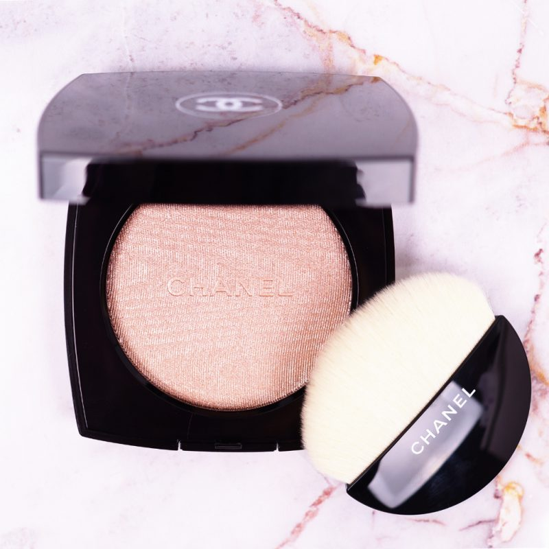 <span style='font-size: large;'>Chanel Highlighter </span><br />Poudre Lumière 10 Ivory Gold