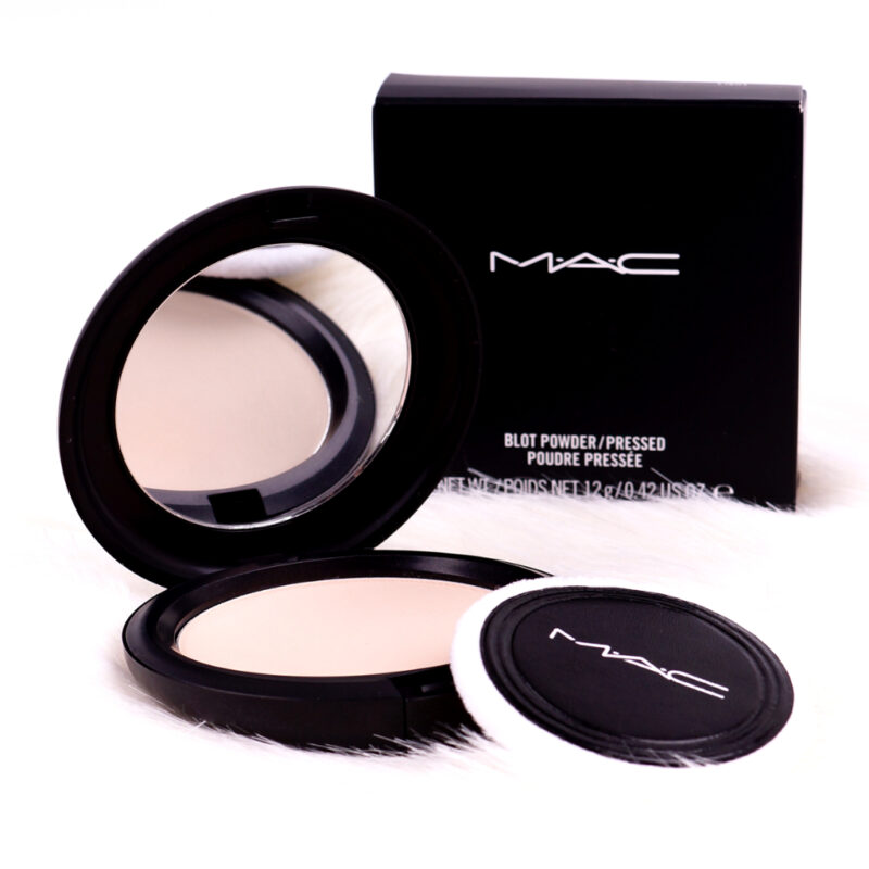 <span style='font-size: large;'>Kurz & knackig </span><br />MAC Blot Powder/Pressed