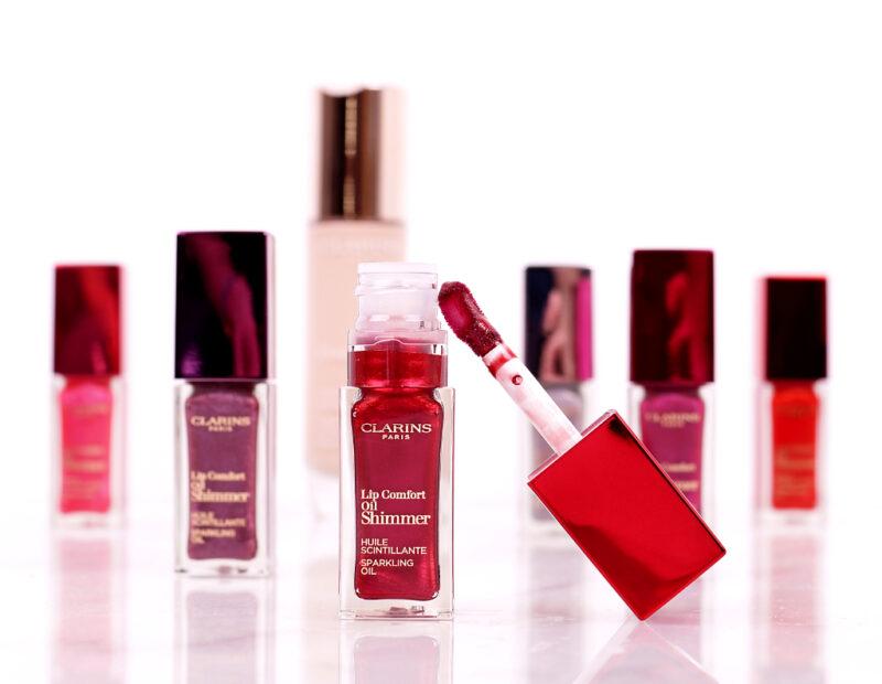 <span style='font-size: large;'>Neu von Clarins </span><br />Everlasting & Lip Comfort Oil Shimmer